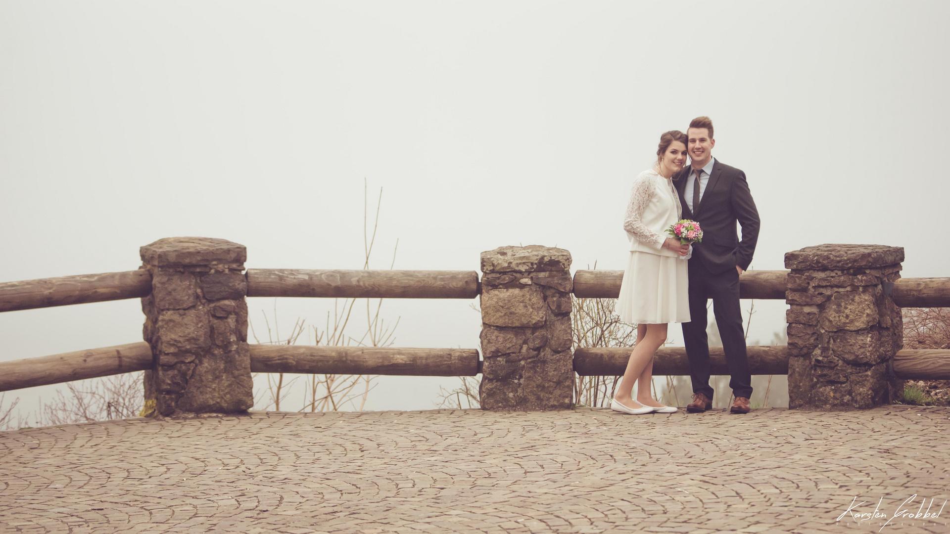 Braut und Bräutigam... (von links nach rechts)