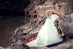 Braut vs. Steinbruch