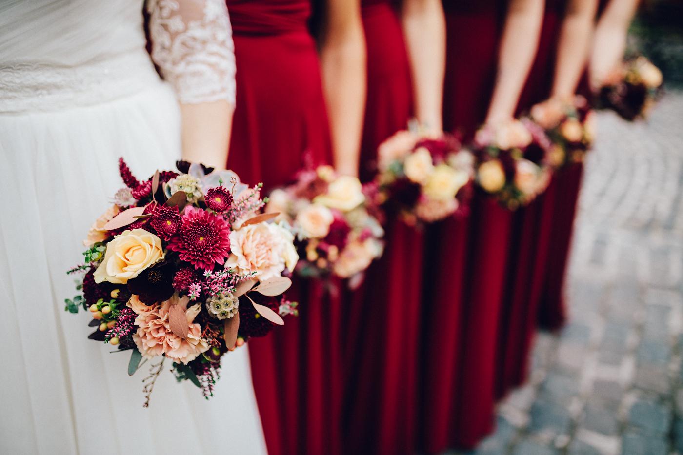 Die 13 Besten Bilder Zu Braut Mit Brautjungfern Brautjungfern