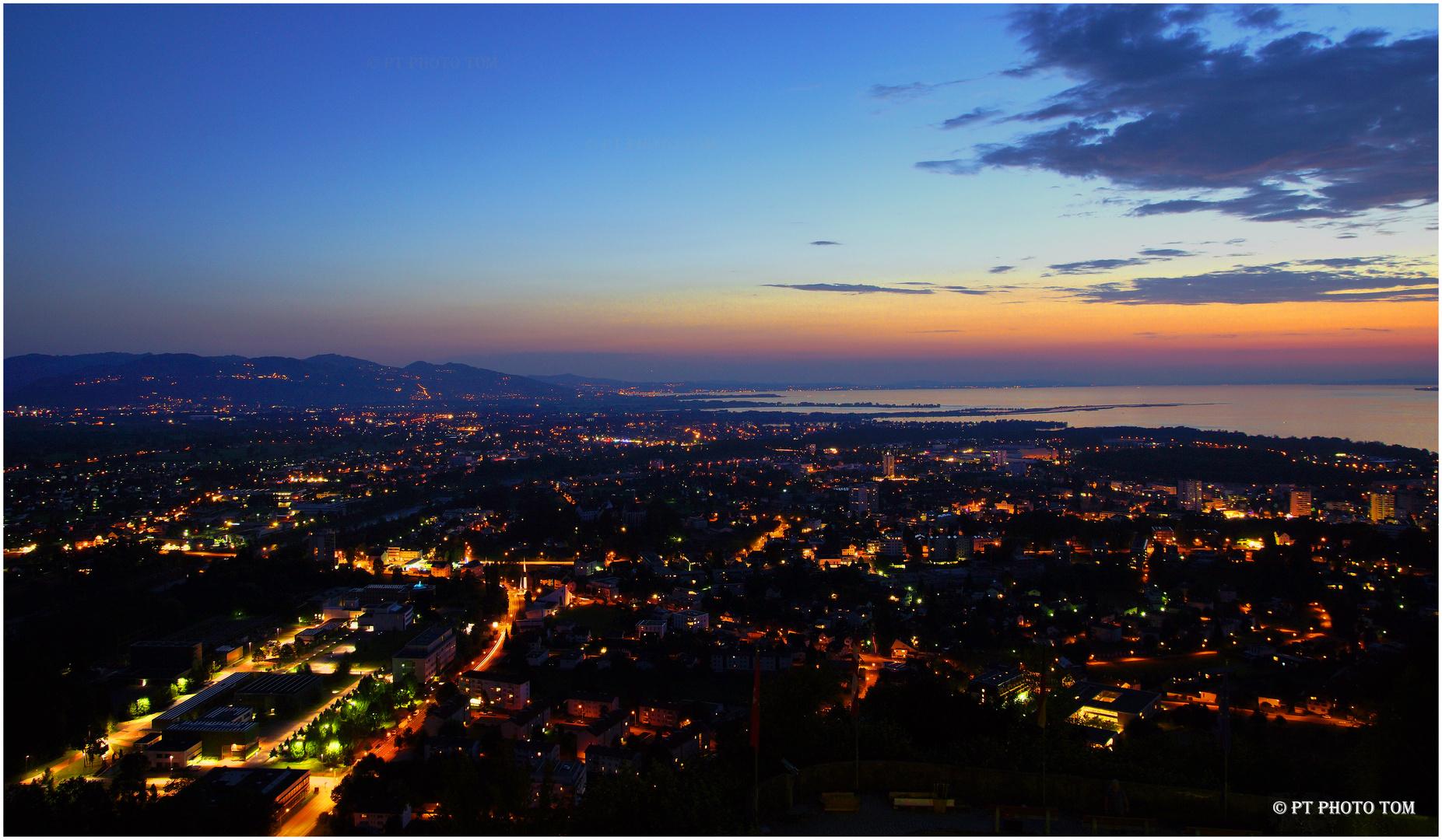 Bregenz bei Nacht