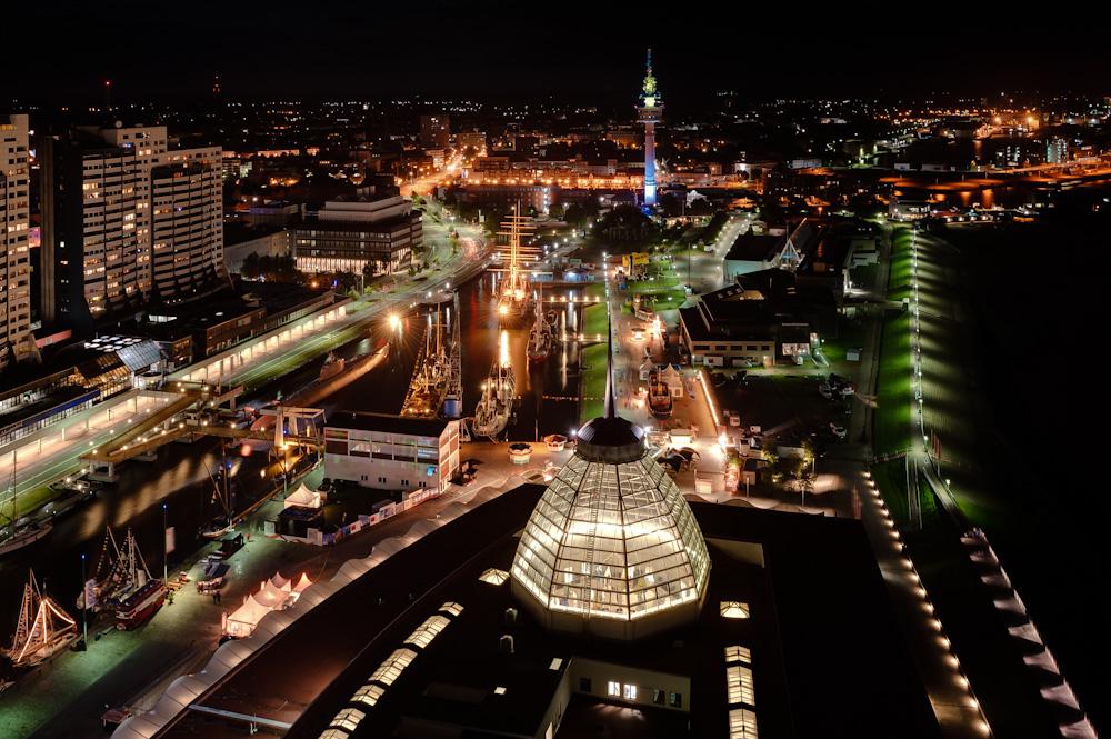 Bremerhaven bei Nacht - I