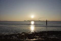 Bremerhaven im nebligen Sonnenuntergang