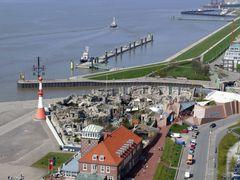 Bremerhaven mit Blick auf den Zoo am Meer