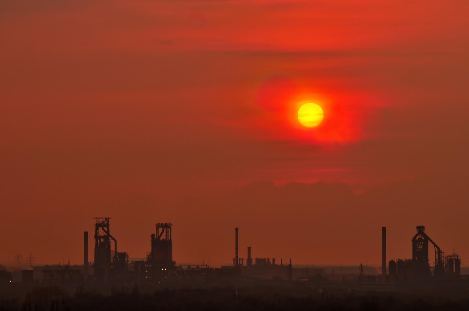 Brennende Luft über Thyssen Krupp Steel