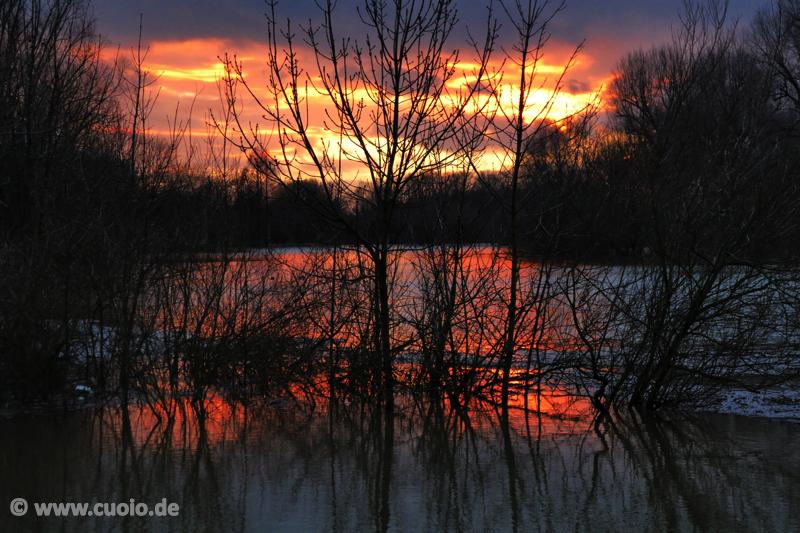 Brennender Himmel über den Rhein