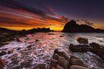 Brennender Himmel über Sugarloaf Rock