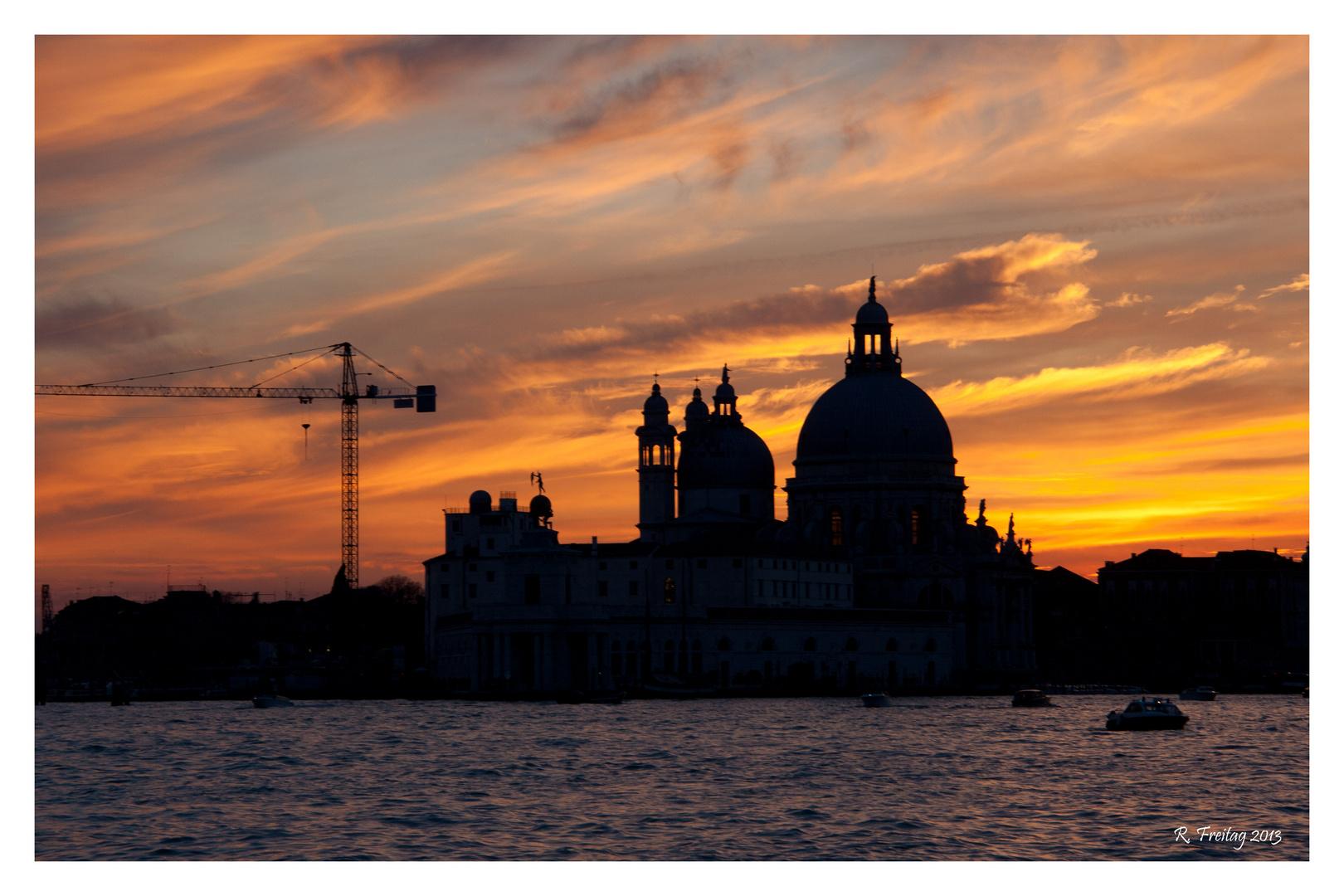 Brennendes Venedig