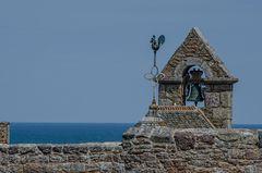 Bretagne - Fort La Latte... der Hahn... die Glocke und das Meer