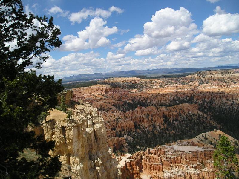 Brice Canyon mit Wolkenformation