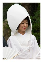 Brides wear traditional kimono-2