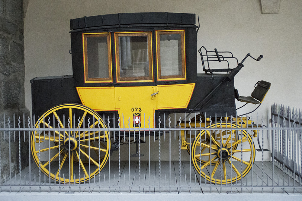 Brig, Stockalperschloss Innenhof Postkutsche 673
