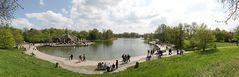 Britzer Garten - der Hauptsee mit Café