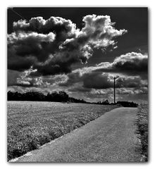 broken clouds over neschen