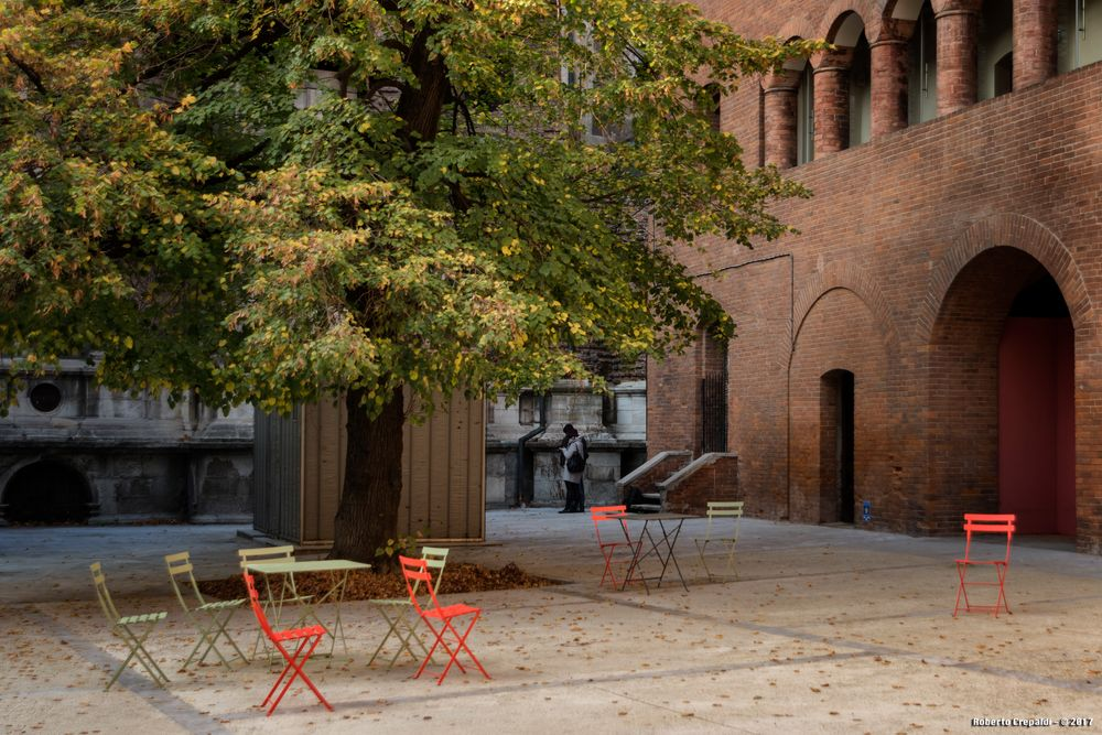 Broletto, il cortile, Pavia