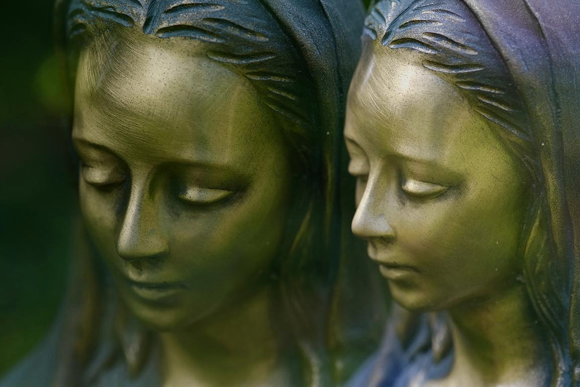 bronze-marie