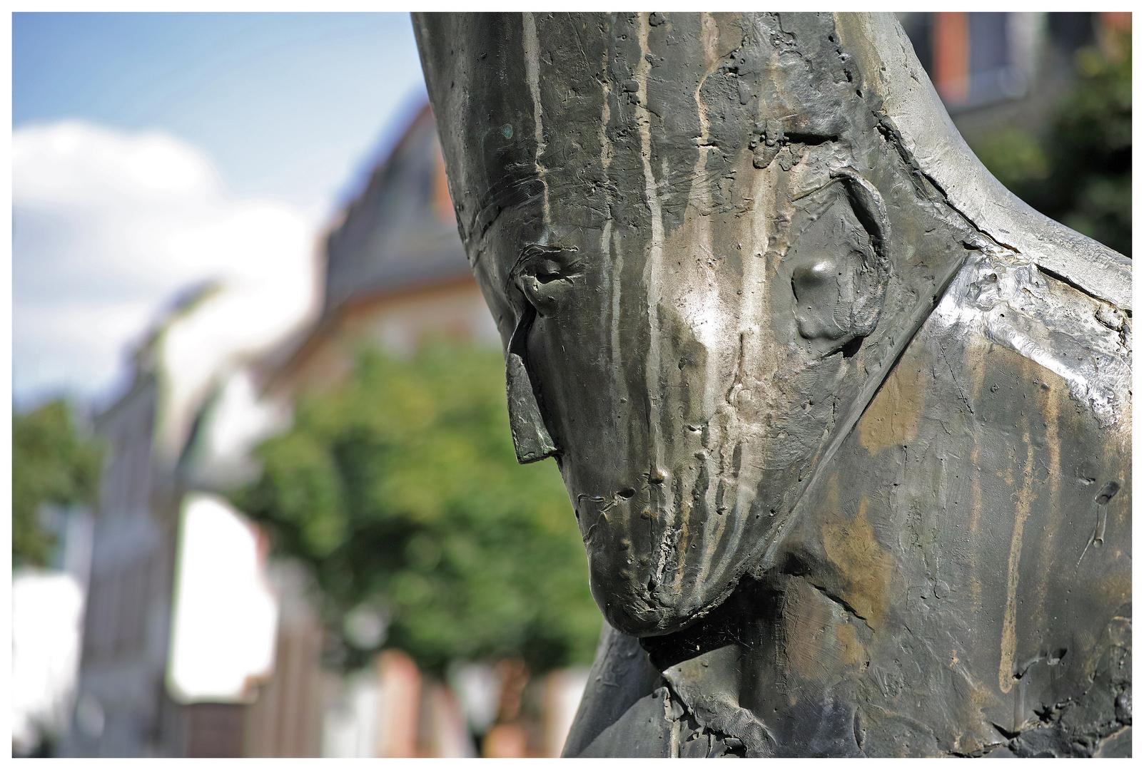 Bronzeskulptur des Mainzer Bischof Ketteler