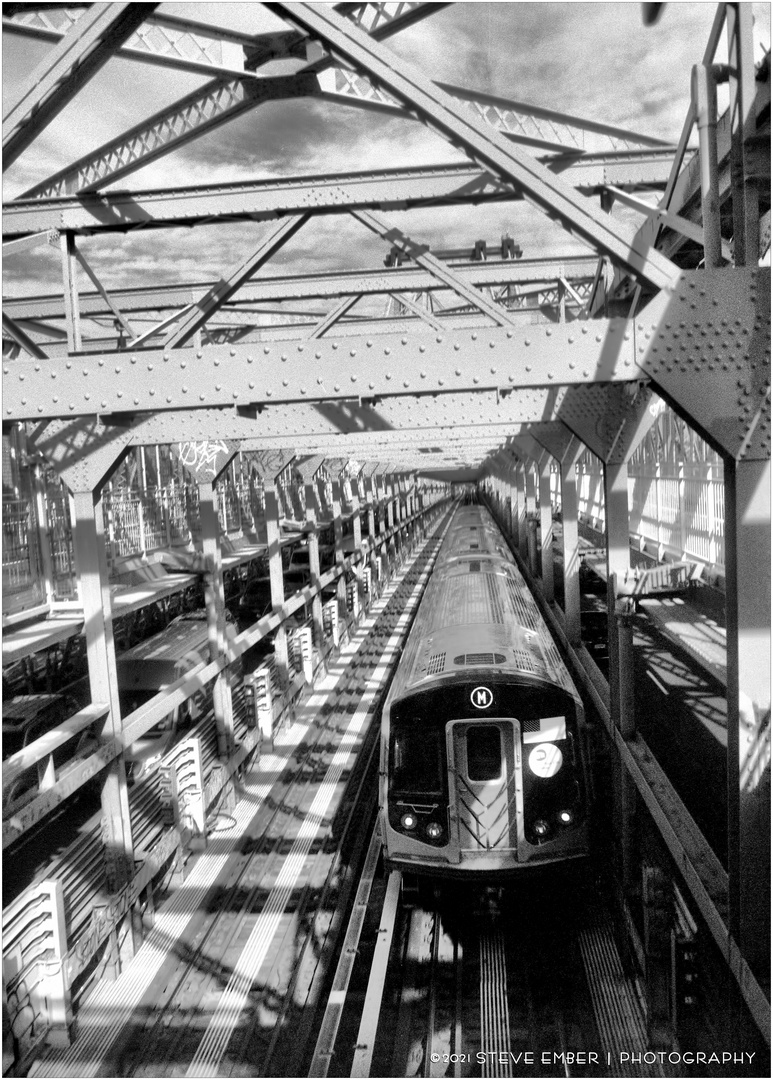 Brooklyn-Bound M Train on Williamsburg Bridge