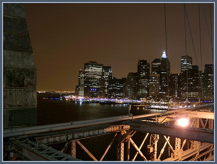 Brooklyn Bridge mit Manhattan