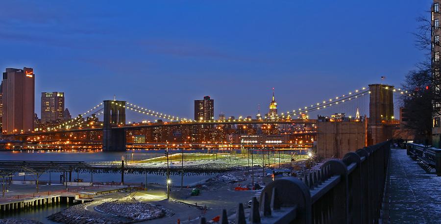 Brooklyn Bridge seen from Brooklyn Heights