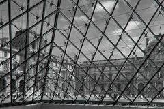 """""""Brotando del Louvre"""""""