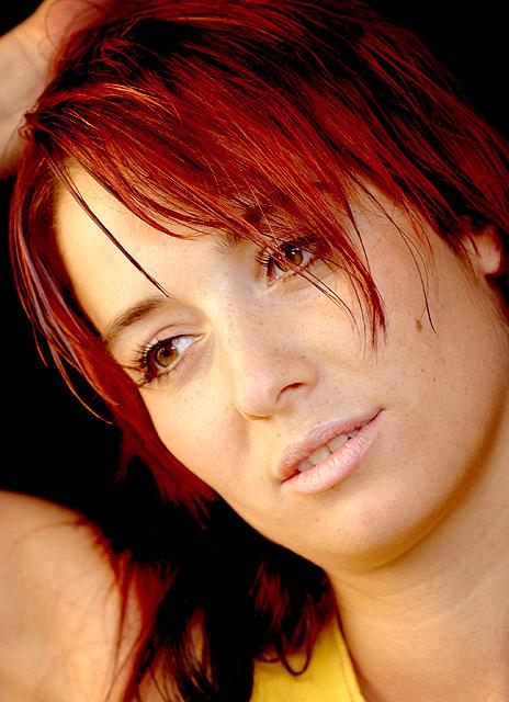 brown eyes - red hairs