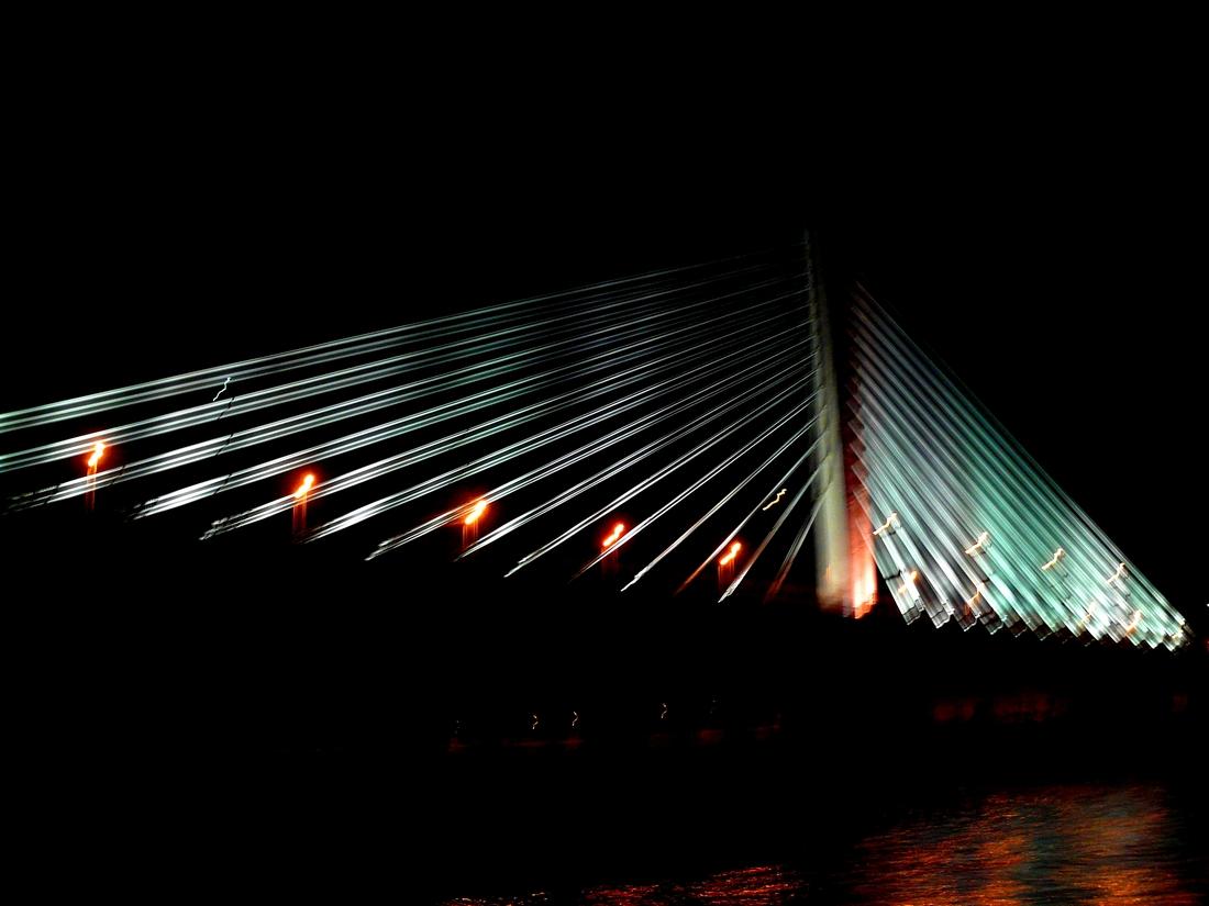 Brücke in der Nacht