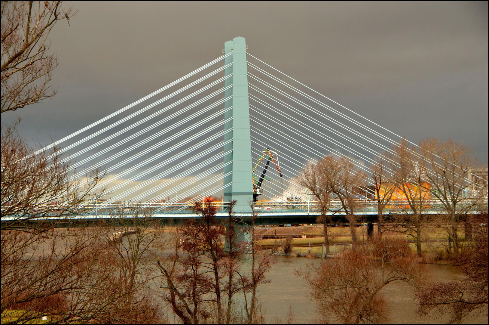Brücke in Höchst