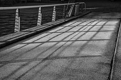 Brücke in Schwarz-Weiß