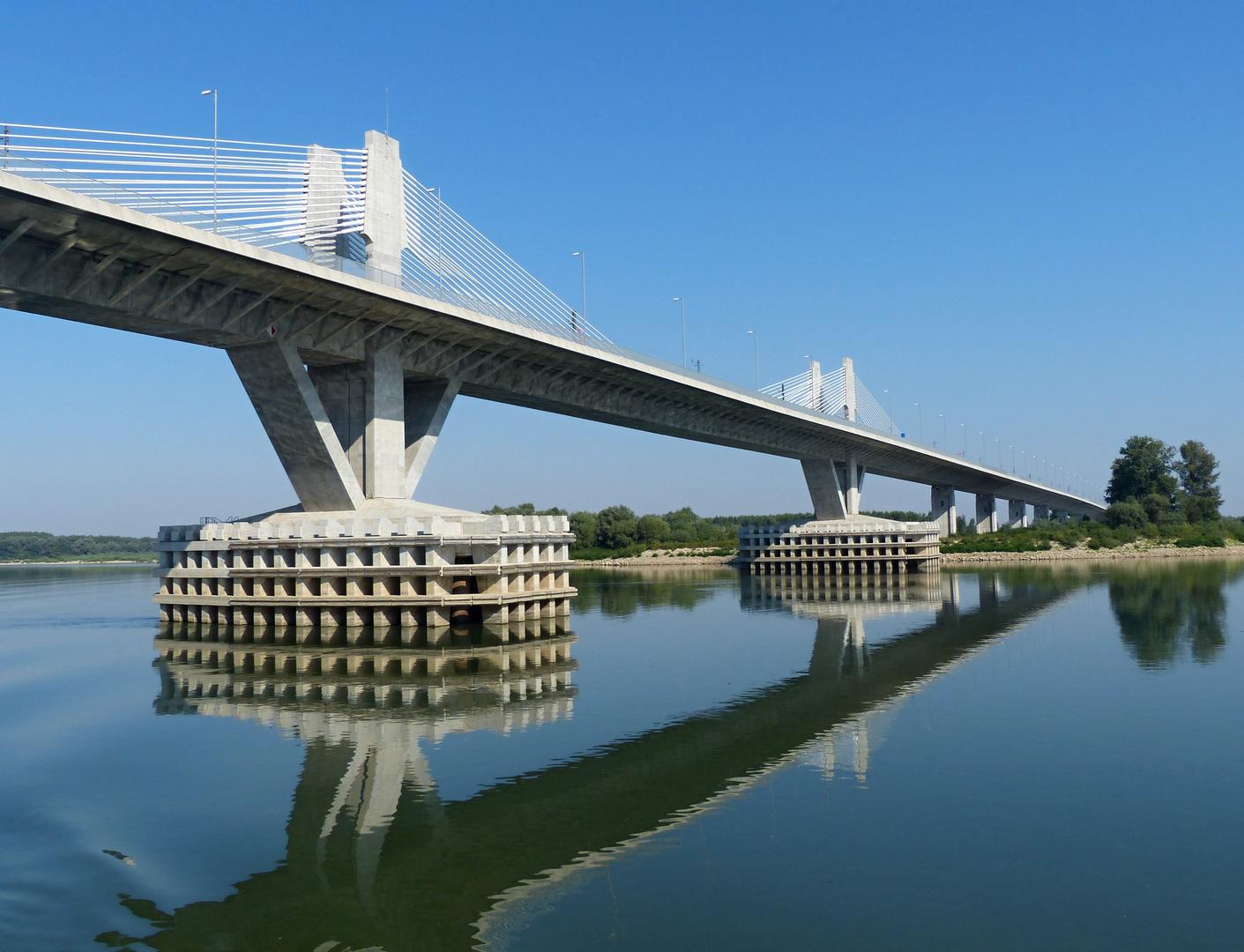 """Brücke """"Neues Europa"""""""