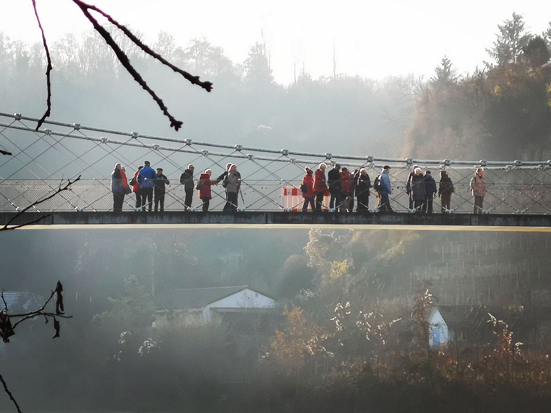 Brücke Stahl Fluss P20-19-col +2 Fotos