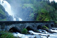 Brücke über dem Latefossen II