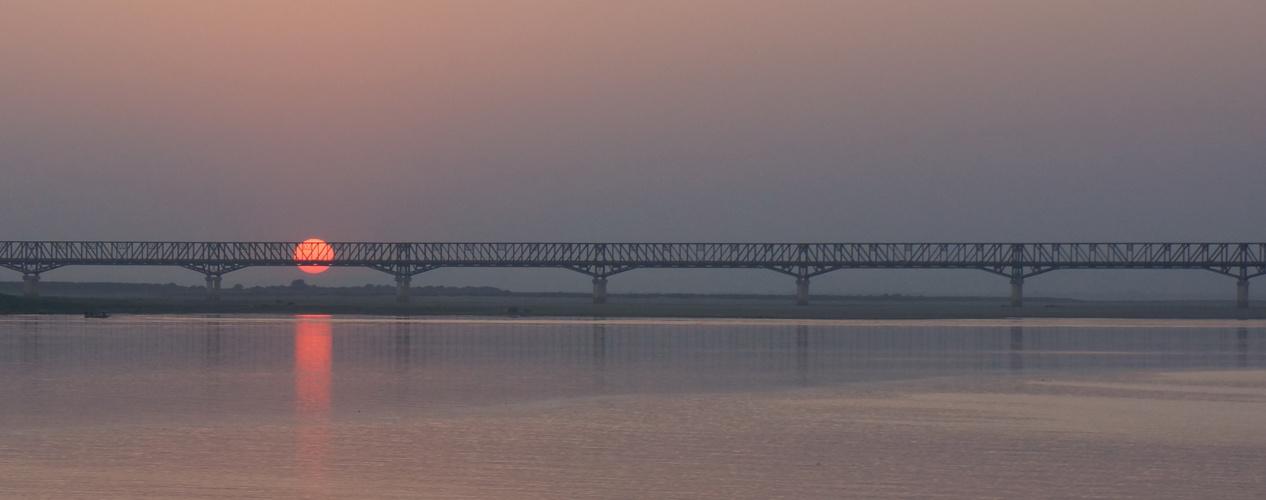 Brücke über den Irawaddy, Myanmar