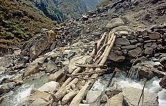 Brücke über den Modi Khola auf dem A.B.C. Trek