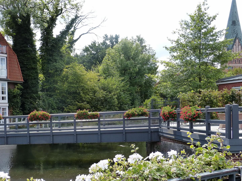 Brücke über die Ilmenau