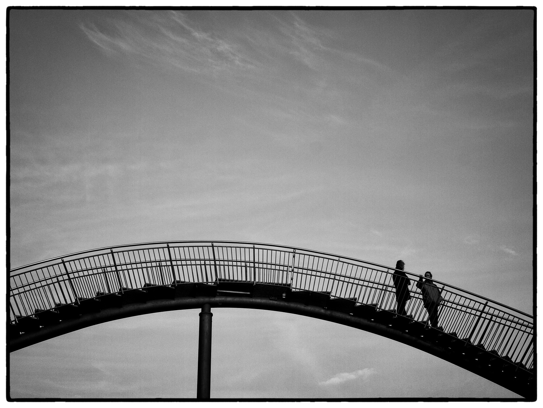 Brücke über die Stadt