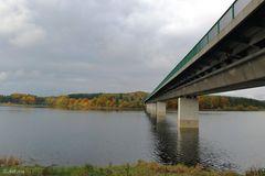 Brücke zum Herbst
