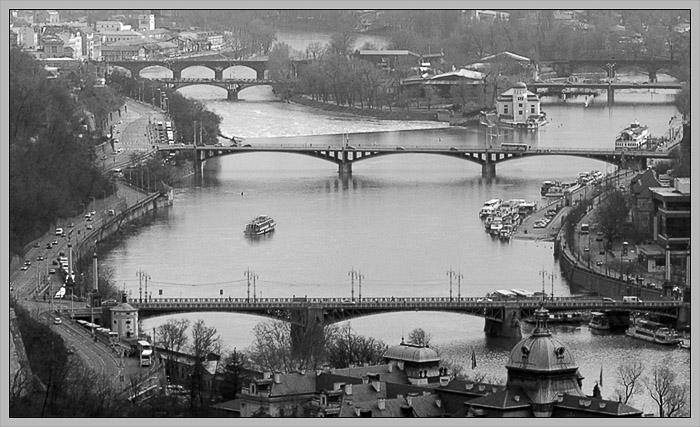 Brücken über Moldau