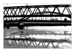 Brücken und Kräne
