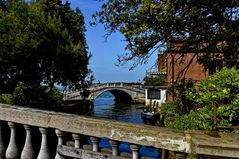 Brücken und Meer von Venedig