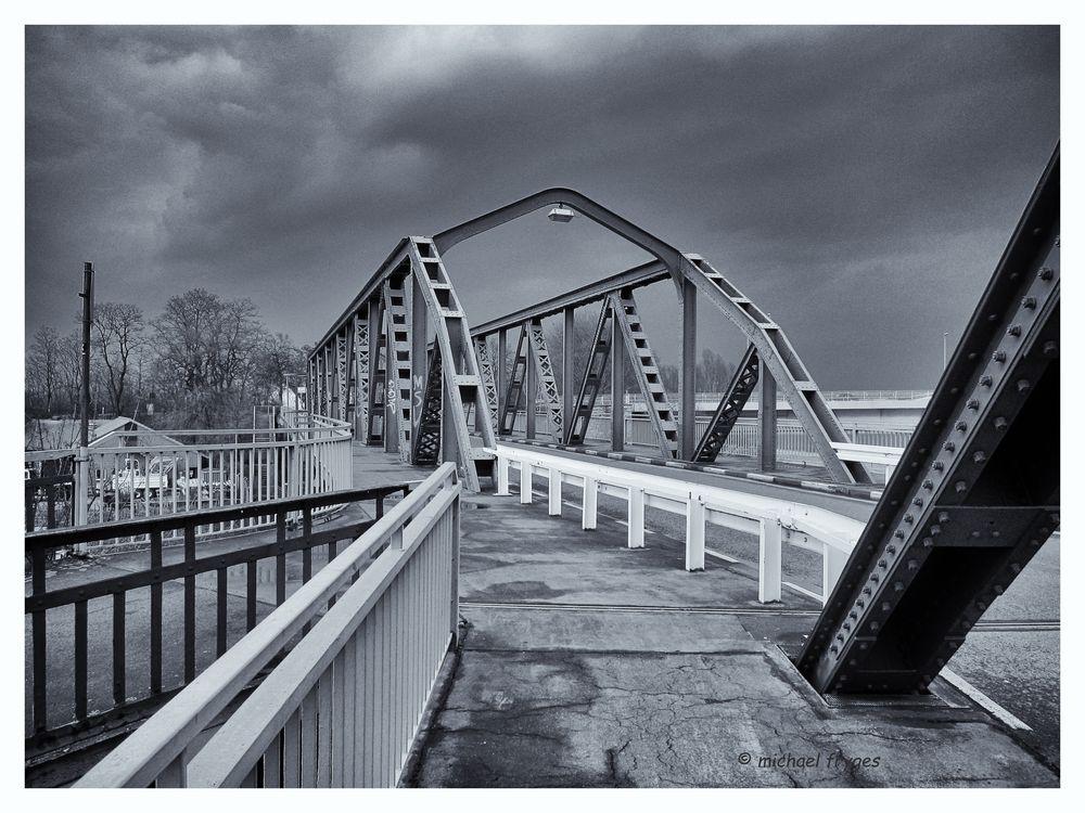 Brückenbauwerk.......