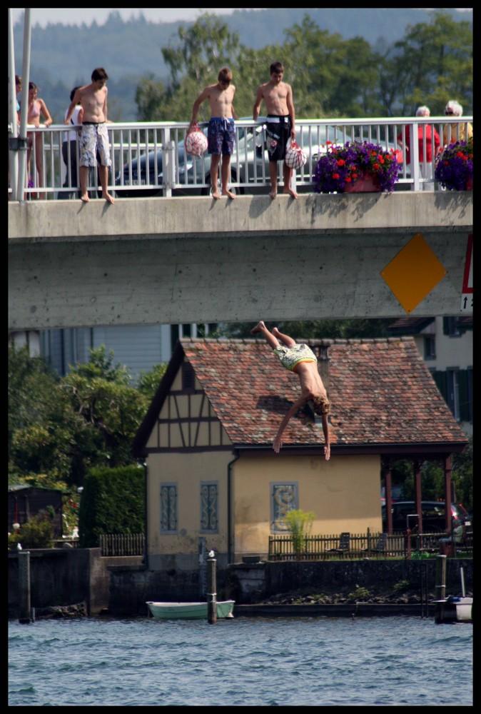 Brückenspringer von Stein am Rhein
