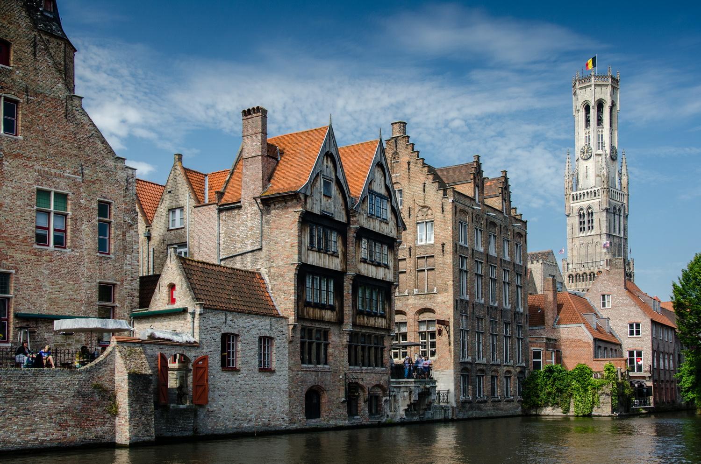 Bruges/Brügge - Rozenhoedkaai at day