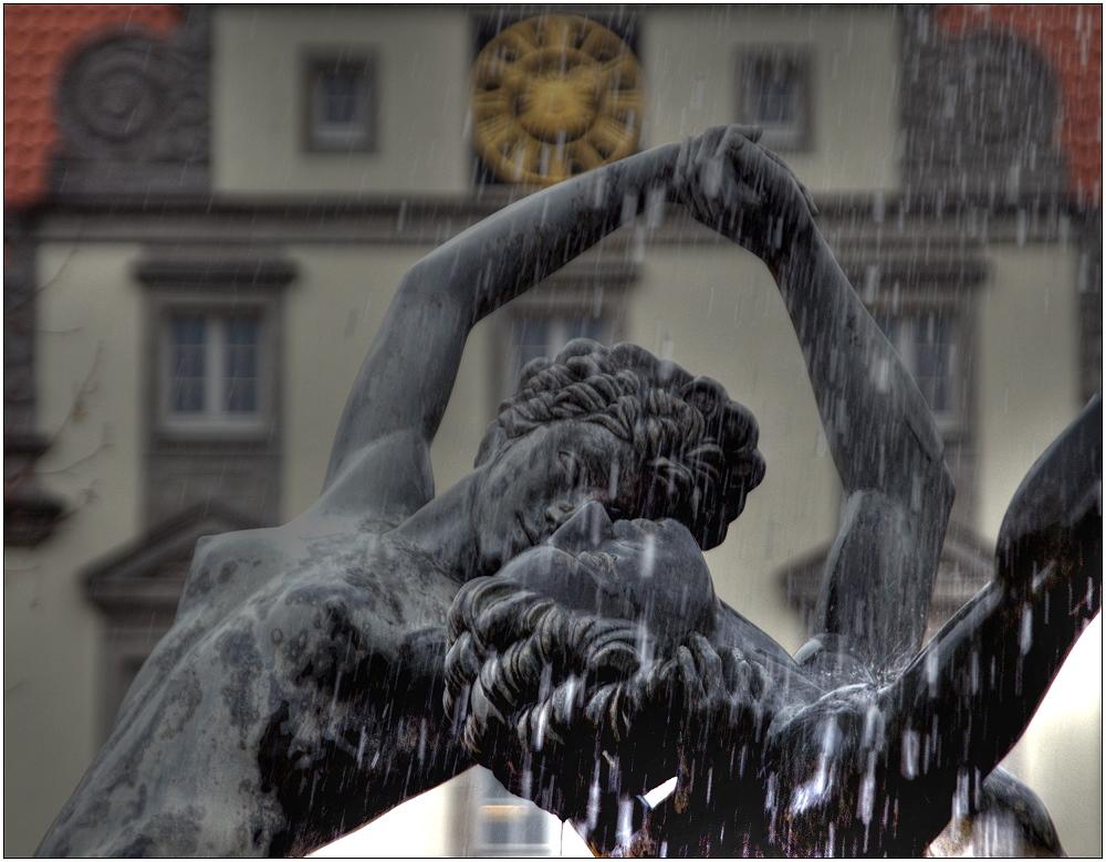 ... Brunnen auf dem Marktplatz ...