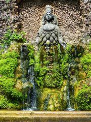 Brunnen der Mutter Natur