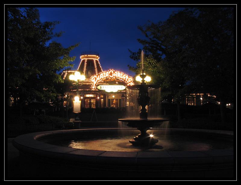 Brunnen im Disneyland