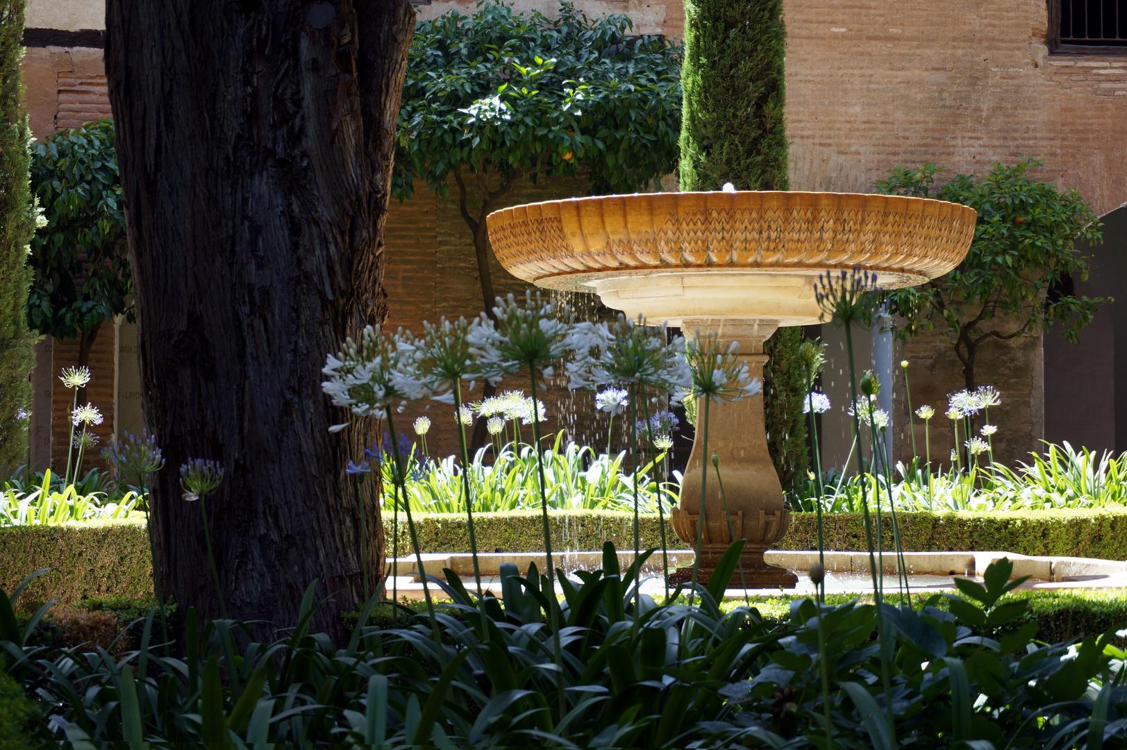 brunnen im garten der alhambra, granada foto & bild | europe, spain