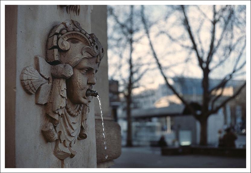Brunnen mit Blick auf Schlossplatz