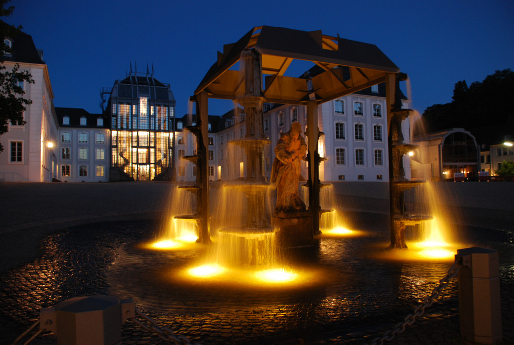Brunnen vor dem Saarbrücker Schloss