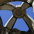 Brunnendach auf dem Largo do Carmo, Nicht ganz wasserdicht...