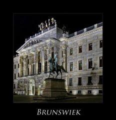 """Brunswiek - Schloß-Arkaden """" Blick zum Mittelbau des Schlosses*...."""""""